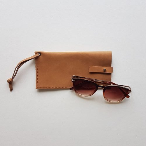 leren zonnebrilhoes medium | bruin