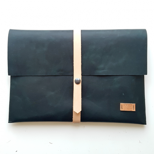 leren laptop sleeve laptophoes groen